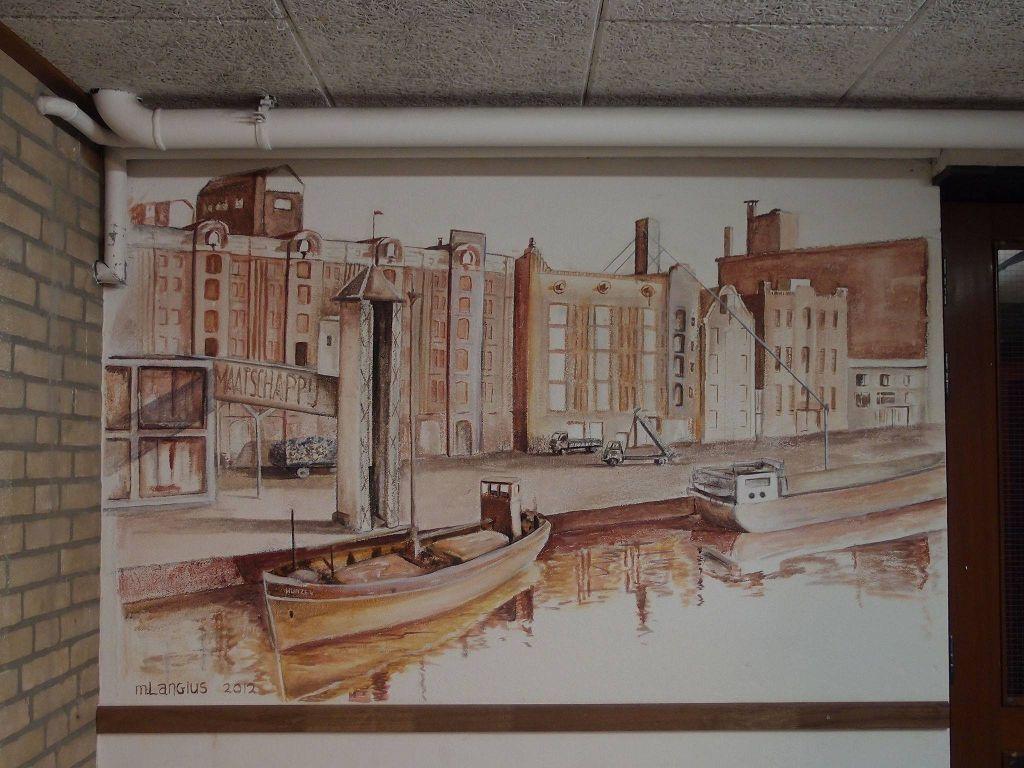muurschildering van het oude pakhuis in de haven aan de Oosterkade Groningen